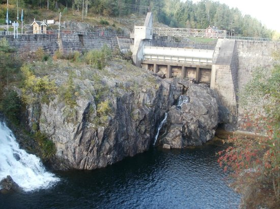 Skien, Noruega: Gebruik maken van de waterkracht