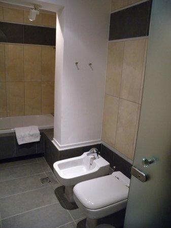 Atrium Hotel : bagno junior suite
