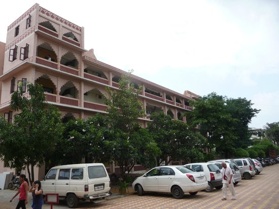 ISKCON Temple, Ahmedabad: Guest House