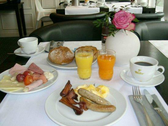 Hotel Moers Van Der Valk: Frühstück