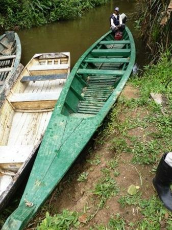 Estancia Bello Horizonte: Green hotel boat for Loboyoc creek