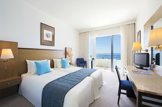 Mediterranean Beach Hotel: Deluxe Sea View Room