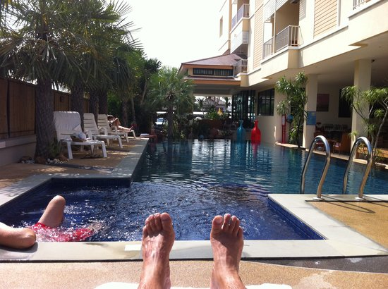 Smile Hua - Hin Resort: View on pool (and my feet)