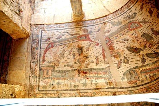 Piazza Armerina: Des centaines de mètres carrés de mosaïques représentant la vie à cette époque