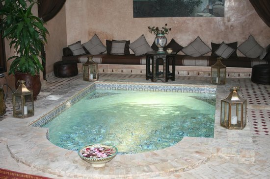 Riad Djemanna : The dipping pool in the main courtyard