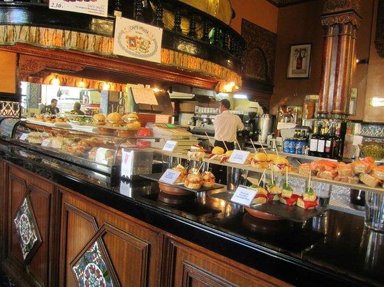 Cafe Iruna : Fancy a sandwich?