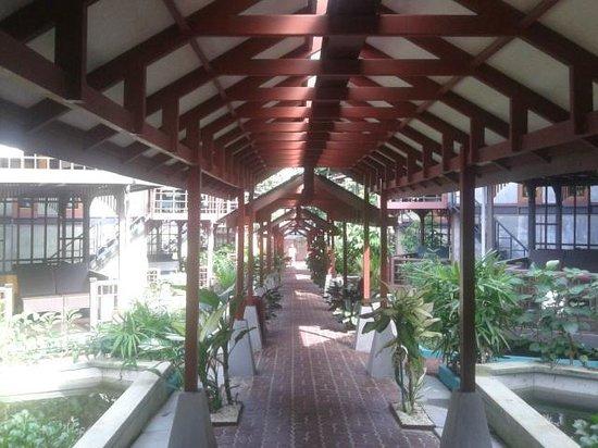 T Star Cottage : corridor