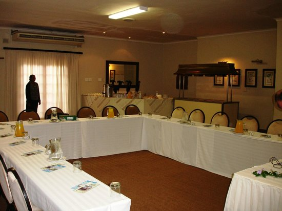 Tradewinds Country Inn: Conference Room