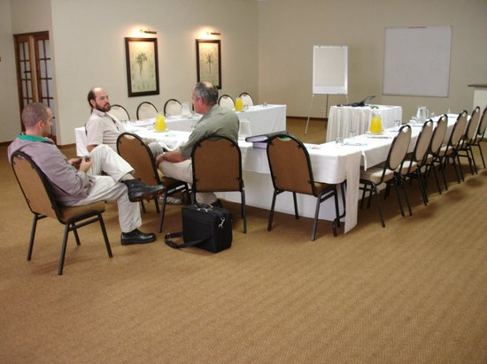 Tradewinds Country Inn: Tides Inn Conference Room