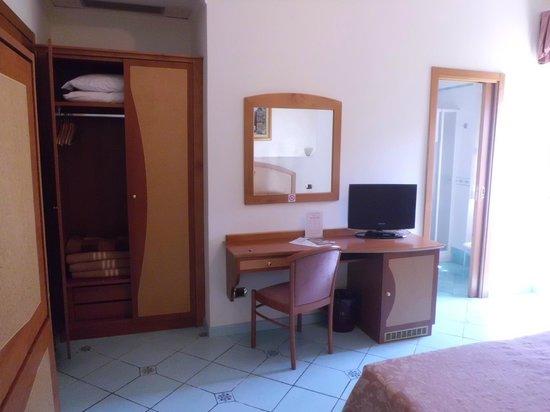 Hotel Savoia : room 44.