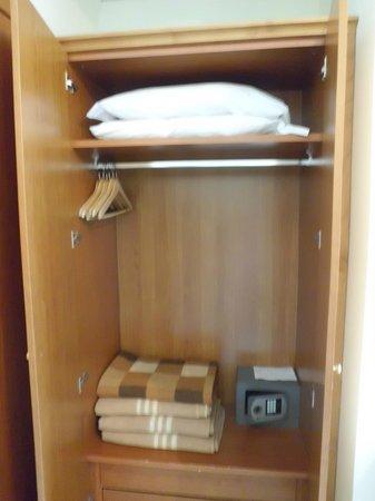 Hotel Savoia : Closet