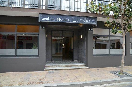 azuLine Hotel Llevant: Entrada
