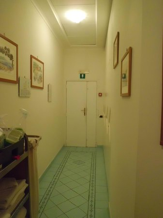 Hotel Savoia: corridor close to room 44