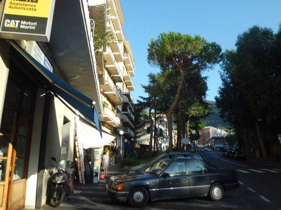 Hotel Savoia: Facade
