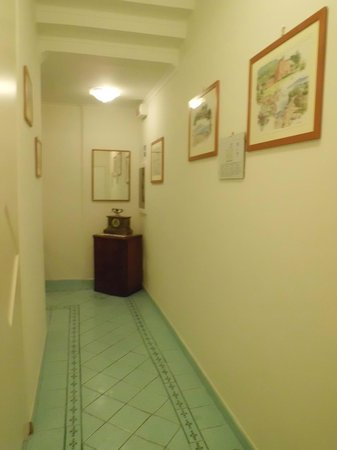 Hotel Savoia : Corridor close to room 44