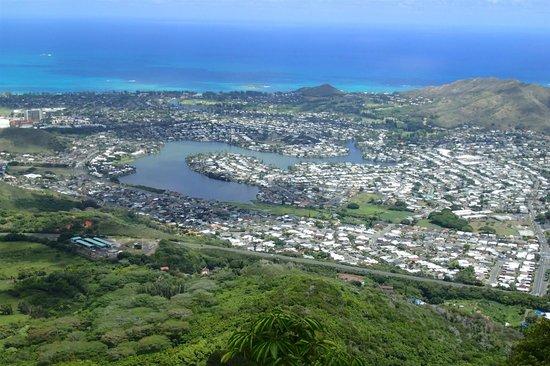 Olomana Three Peaks Trail: First Peak から Kailua、Lanikai 方向