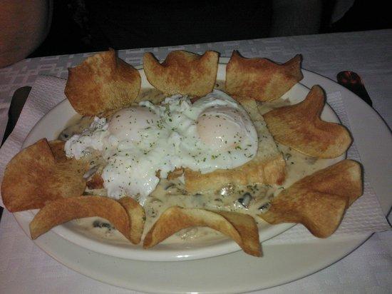 Borda Estevet : ous escaldats amb salsa de ceps