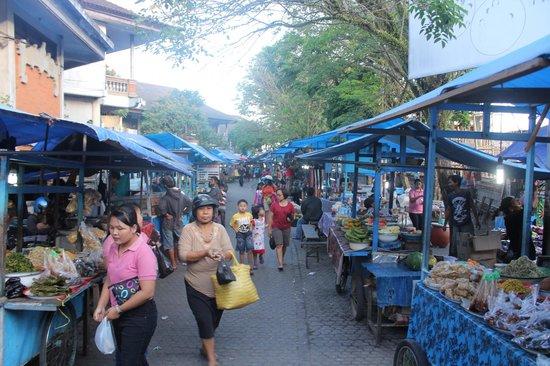 Gianyar Street Night Market: General market