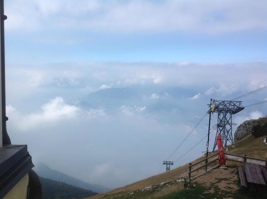 Monte Baldo: Walking over clouds