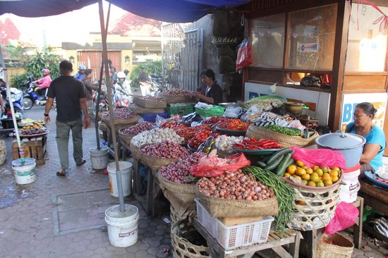 Gianyar Street Night Market: Food market