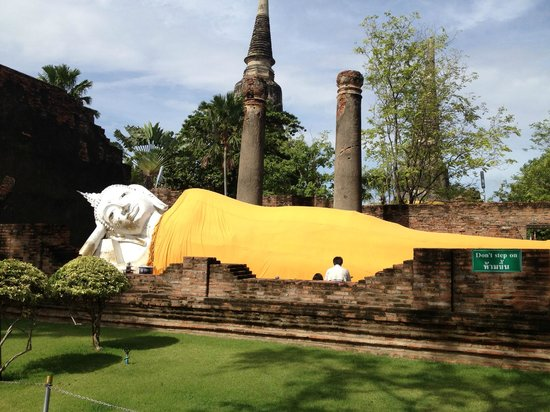 Wat Yai Chai Mang Khon