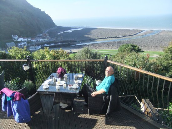 Tors Hotel: cream tea on the terrace