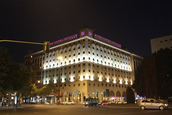 Ayre Hotel Sevilla: 外観