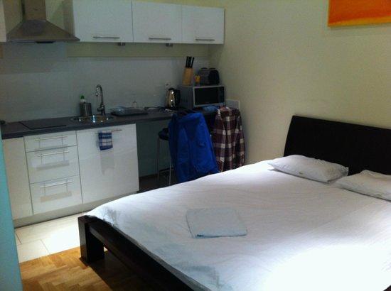 Venetian House Aparthotel: Cocina