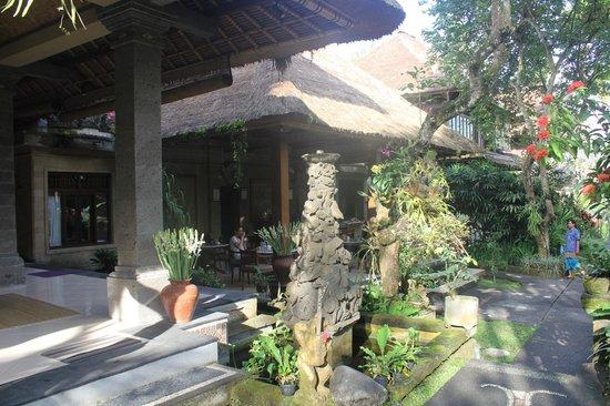 Alam Indah: Breakfast area