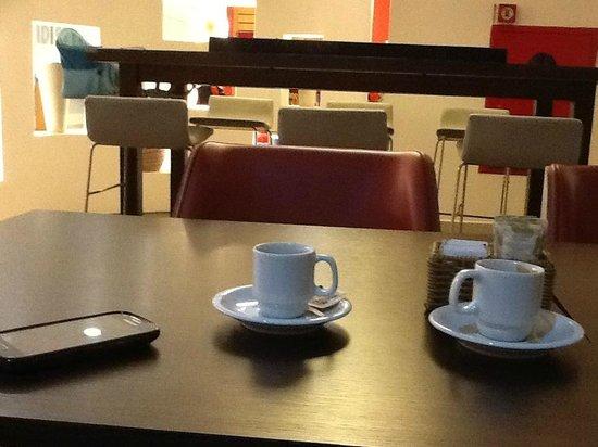 Ibis Piracicaba: cafézinho...