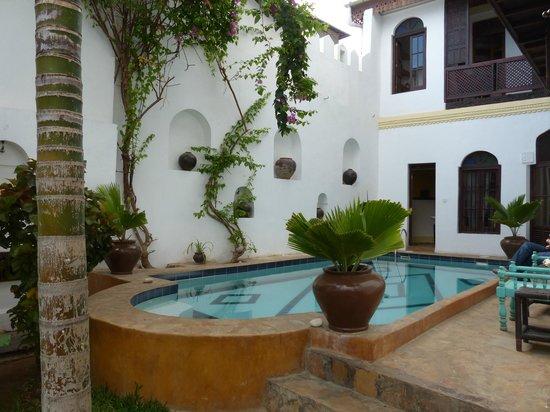 Kholle House: Jardin