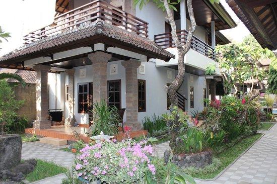 Puri Sading Hotel: Hotel grounds