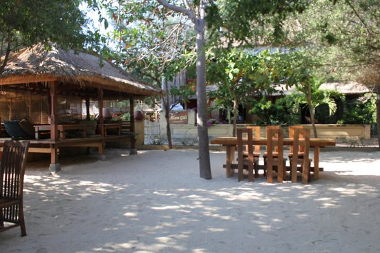 Alam Gili: Breakfast on the sand every morning