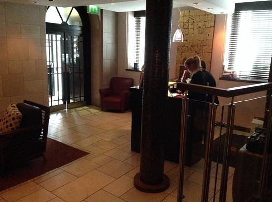 Ten Square: lobby