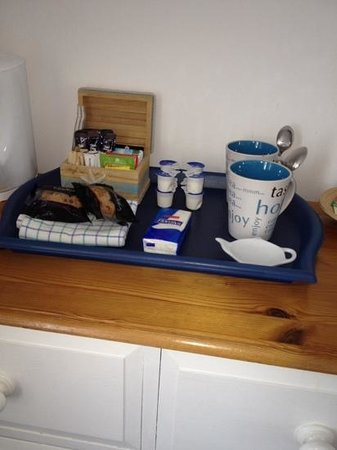 The New England: welcoming drinks tray