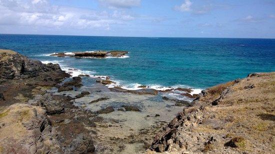 Ilhatour: Enseada da Caieira (proximo ao Buraco da Raquel)