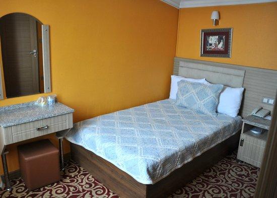 Reis Hotel: ...