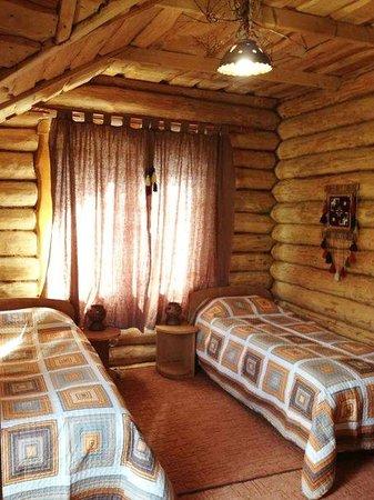 Drymba Manor Guest House : Спальня №2