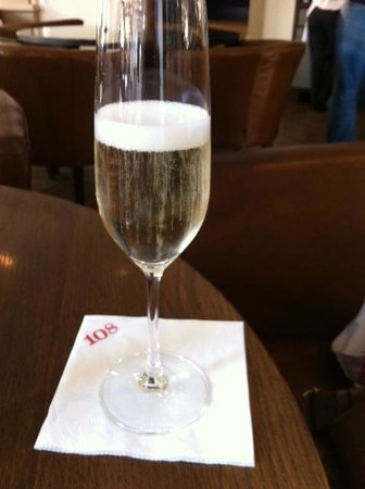 The Marylebone: Fizz at Bar 108