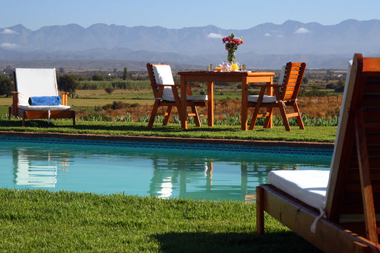 De Denne Country Guest House: Swimming Pool