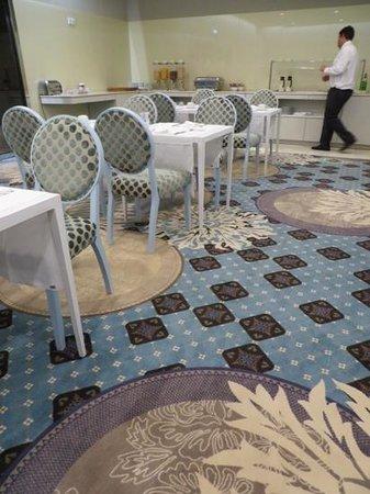Olissippo Saldanha: Beaautiful Breakfast Room in Saldanha Olissippo Hotel  Sept 2013