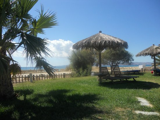 Plaza Beach Hotel: view from sunbed