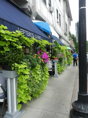 Lefteris Gyro : Delightful place to dine