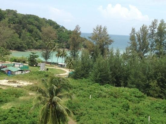 Absolute Twin Sands Resort & Spa: view of tri trang beach