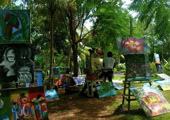 Cruise Shore Excursions Jamaica: Artist on site