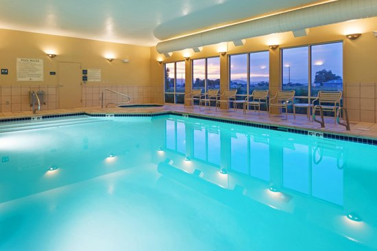 Hampton Inn Logan: Indoor pool