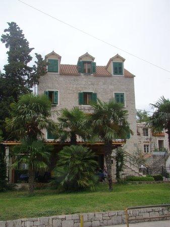 Hotel Villa Diana : façade