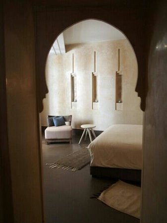 Dar Maya: Akshood room