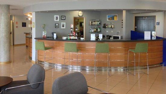 Holiday Inn Express Madrid-Sebastian de los Reyes: Bar