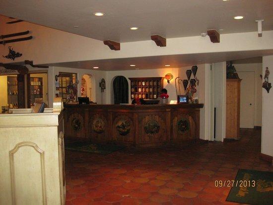 Goldener Hirsch Inn: Hotel lobby